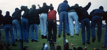 Cardiff fans enjoy a day out at Doncaster in 1993 (urban75)